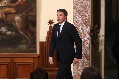 """alt=""""Italy Renzi quits"""""""