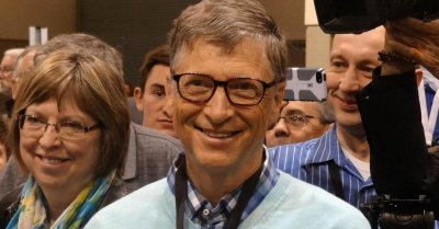 "alt=""Bill Gates"""