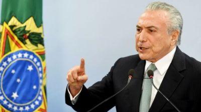 """alt=""""Brazil President not resigning"""""""
