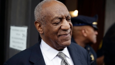 "alt=""Judge declares mistrial in Bill Cosby sexual assault case"""