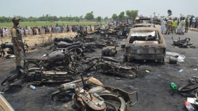 "alt=""Oil lorry catches fire in the Pakistani, with a number of deaths reported"""