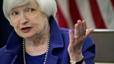 "alt=""Fed keeps key interest rate unchanged amid low inflation"""