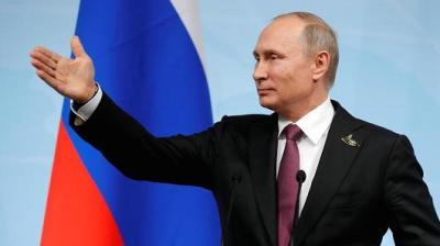 "alt=""Russia expels 755 US diplomats as fight over sanctions worsens"""