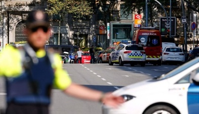 "alt=""Barcelona attack: 13 killed as van rams crowds in Las Ramblas"""