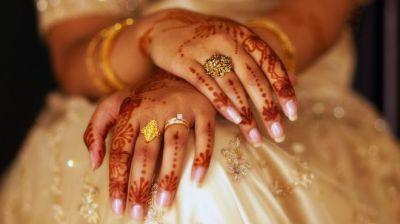 "alt=""Triple talaq: India court bans Islamic instant divorce"""