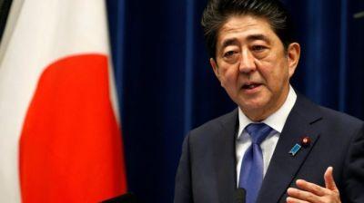"alt=""Japan's PM Shinzo Abe calls snap election"""