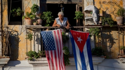 "alt=""U.S. pulling embassy staff from Cuba, advises against visits"""