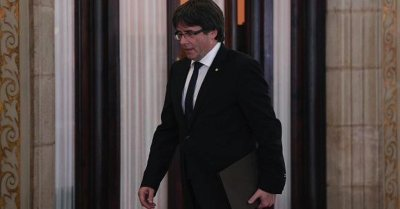 """alt=""""Leader of Catalonia asks parliament to suspend results of independence referendum"""""""