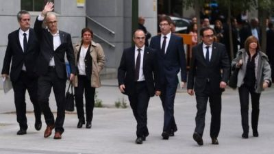 "alt=""Sacked Catalan ministers jailed in Spain"""