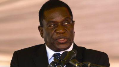 """alt=""""Zimbabwe politics: Mugabe sacks 'disloyal' Mnangagwa"""""""