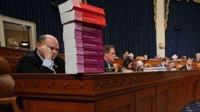 """alt=""""House Republicans pass $1.4tn tax overhaul bill"""""""