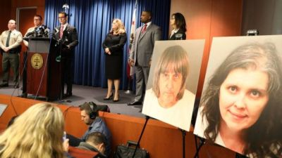 "alt=""Turpin case: California couple deny torturing 'shackled siblings'"""