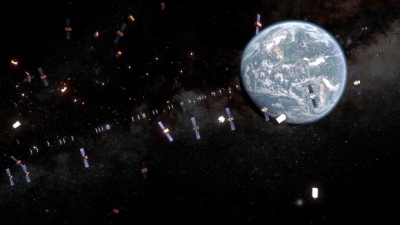"alt=""Space junk threatens disruptions - here's what experts are trying to do about it"""