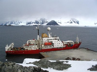 "alt=""Antarctic Sea Ice Forces Research Ship to Turn Back"""