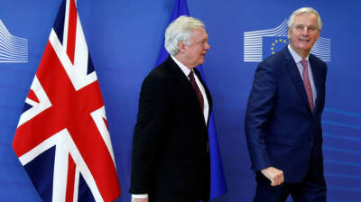 "alt=""U.K. & EU agree to Brexit deal basics, but Irish border questions remain"""