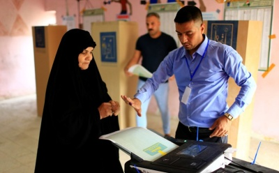 "alt=""Iraqis start voting in first election since defeating Islamic State"""