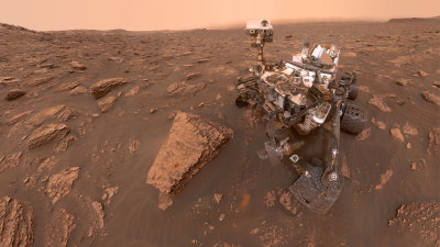 "alt=""Curiosity Captures Photos of Thickening Dust"""