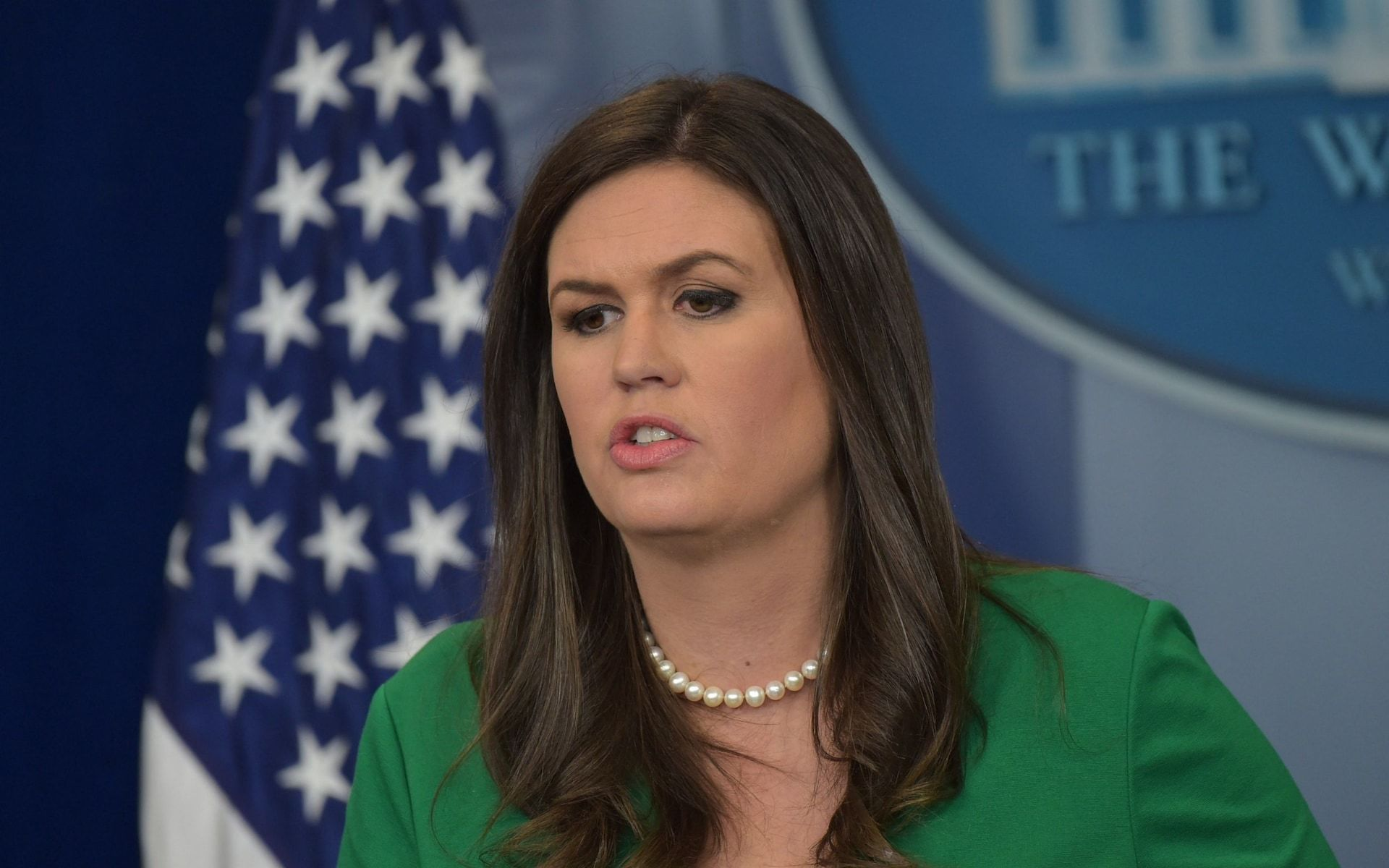 "alt=""White House press secretary Sarah Sanders asked to leave Virginia restaurant"""