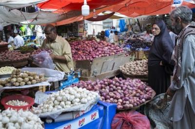 "alt=""An Economic Crisis Awaits Pakistan's New Leader Imran Khan"""