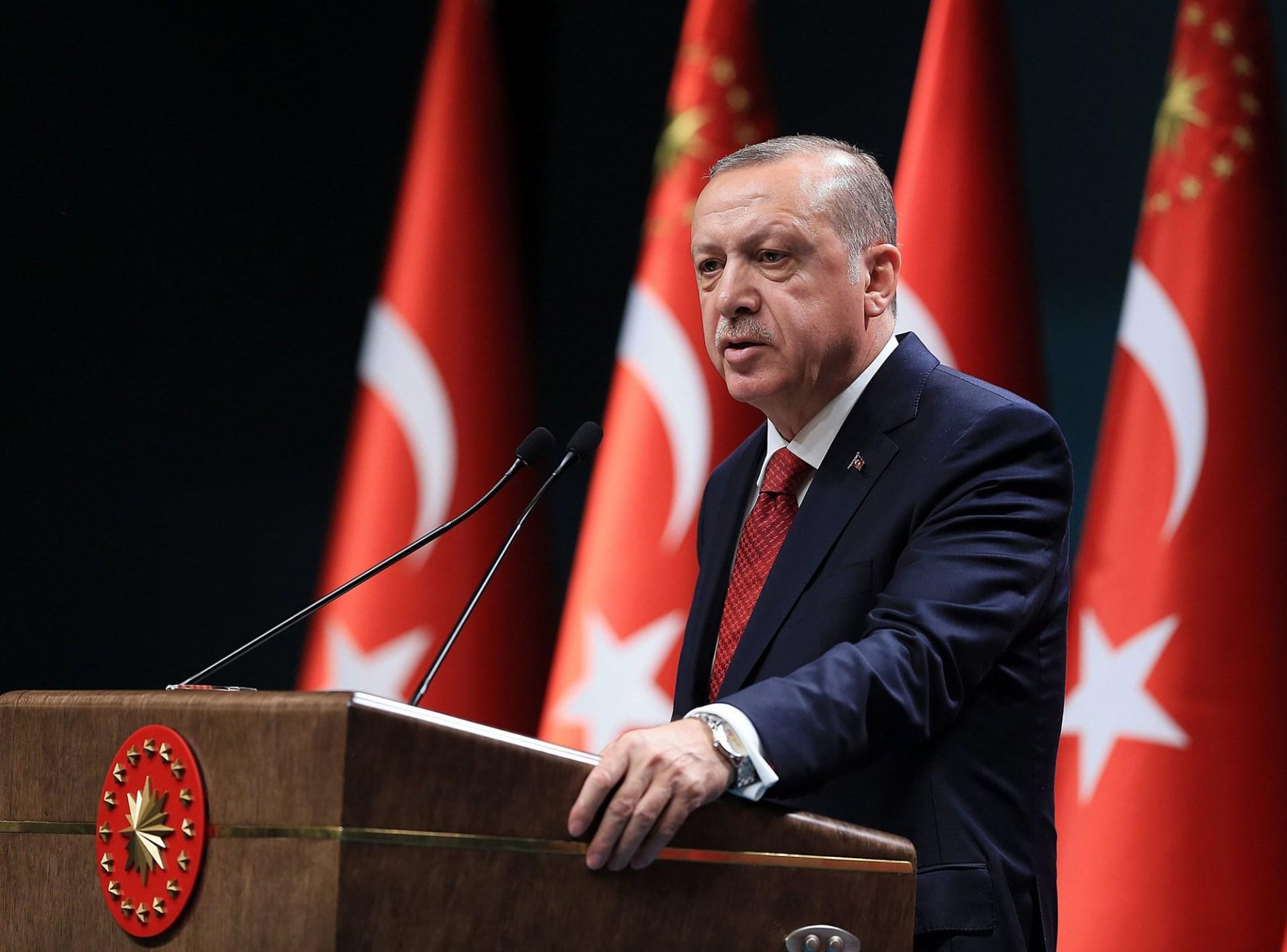 "alt=""Turkey sacks thousands thru emergency decree as Erdogan cements power"""
