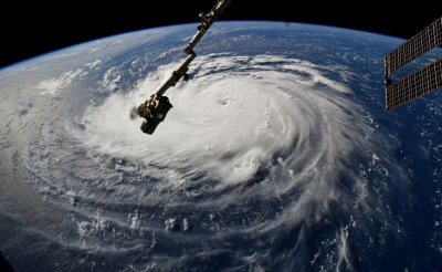 """alt=""""'Potentially deadly' Hurricane Florence sets its sights on Carolinas"""""""