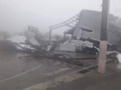 "alt=""Super typhoon slams into China after pummeling Philippines"""