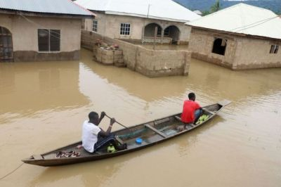 """alt=""""Nigeria floods kill more than 100"""""""