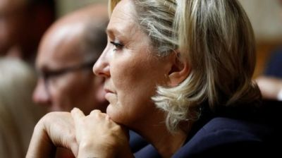 "alt=""Marine Le Pen ordered to undergo psychiatric testing"""