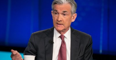 "alt=""Fed chief Jerome Powell says he would not resign if Trump asks"""