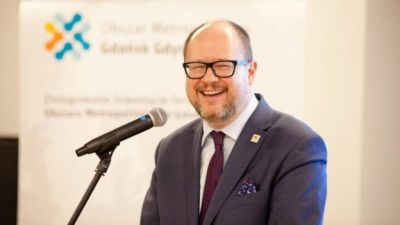 "alt=""Pawel Adamowicz, Gdansk mayor, dies after stabbing"""