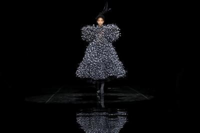 """alt=""""New York Fashion Week"""""""