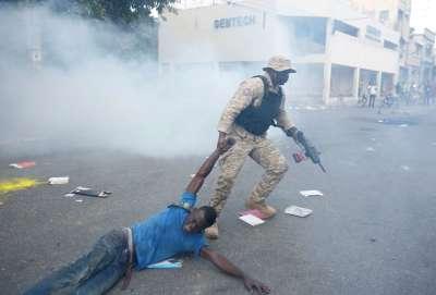"alt=""President recalls top envoy amid ongoing violent protests, calls for resignation"""