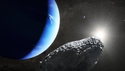 """alt=""""Tiny Neptune moon spotted by Hubble may have broken from larger moon"""""""