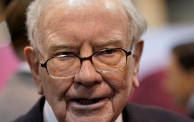 """alt=""""Buffett appears to fault Trump, laments deals dearth in Berkshire letter"""""""