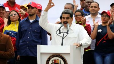 """alt=""""Venezuela's Maduro thanks military for defeating 'coup'"""""""