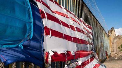 """alt=""""Senate Republicans revolt against Trump over border"""""""