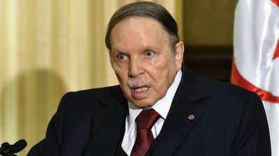 "alt=""Algeria army urges removal of President Abdelaziz Bouteflika"""