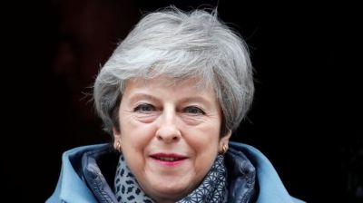 """alt=""""Brexit: Theresa May vows to stand down if deal is passed"""""""