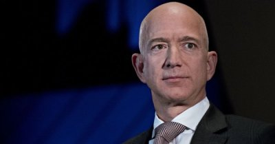"""alt=""""Saudis accessed Amazon CEO Jeff Bezos' phone and gained private data"""""""