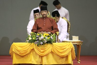 """alt=""""Brunei Stoning Punishment for Gay Sex and Adultery Takes Effect"""""""