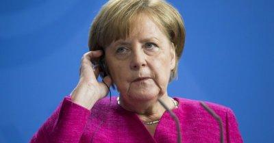 "alt=""EU slashes growth forecasts for Germany — again"""