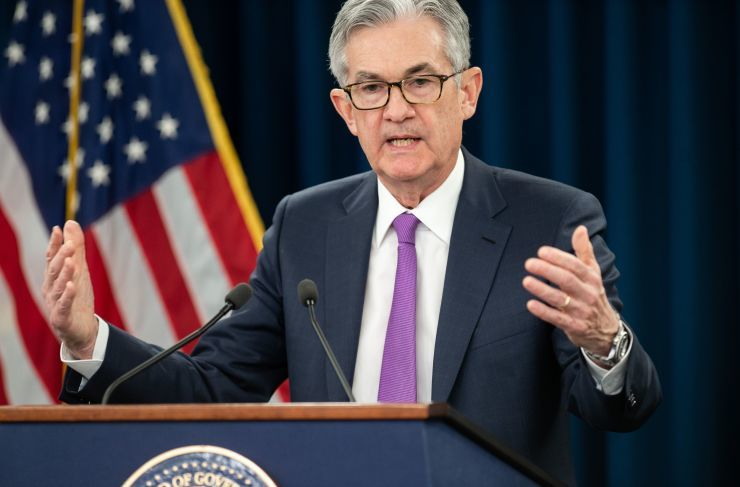 """alt=""""No major US company surveyed supports Trump's call for Fed to cut interest rates"""""""