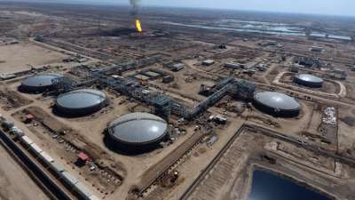 """alt=""""Exxon Mobil pulls foreign staff out of Iraqi oilfield, sources say"""""""