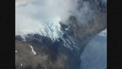 """alt=""""Scientists say Chile's Southern Patagonia Ice Field has 'split in two'"""""""