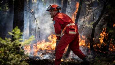 """alt=""""Across Alberta, B.C. and northern Ontario, thousands displaced as wildfires rage"""""""