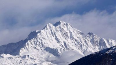 """alt=""""Nanda Devi: Search for eight climbers missing in Himalayas"""""""