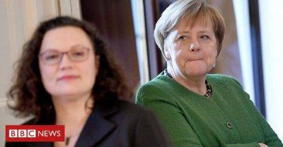 "alt=""German SPD set for three interim leaders amid coalition crisis"""