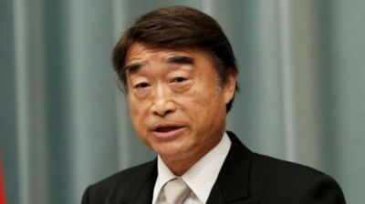 """alt=""""Japan's labour minister says high heels at work are 'necessary'"""""""