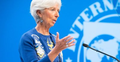 "alt=""Trade war could wipe $455 billion off global GDP next year, IMF warns"""
