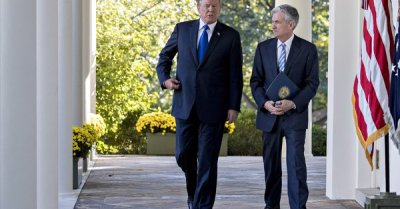 """alt=""""Trump says he never threatened to demote Fed Chairman Jerome Powell"""""""